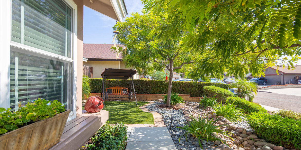 10256 Easthaven Dr Santee CA-large-008-008-Easthaven Drive Santee CA-1500x1000-72dpi