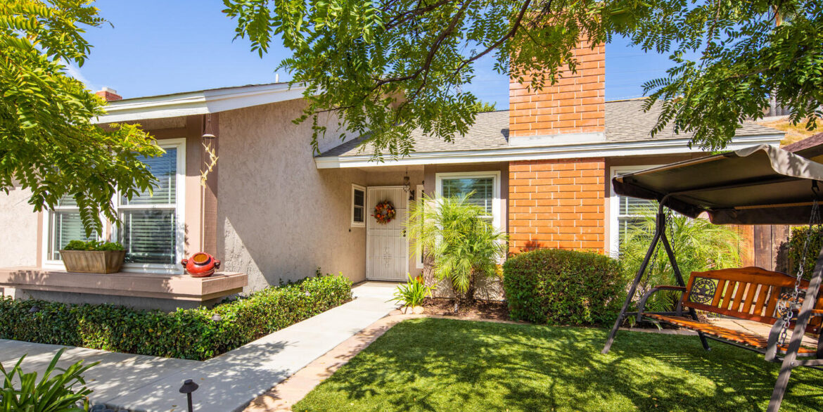 10256 Easthaven Dr Santee CA-large-016-019-Easthaven Drive Santee CA-1500x1000-72dpi