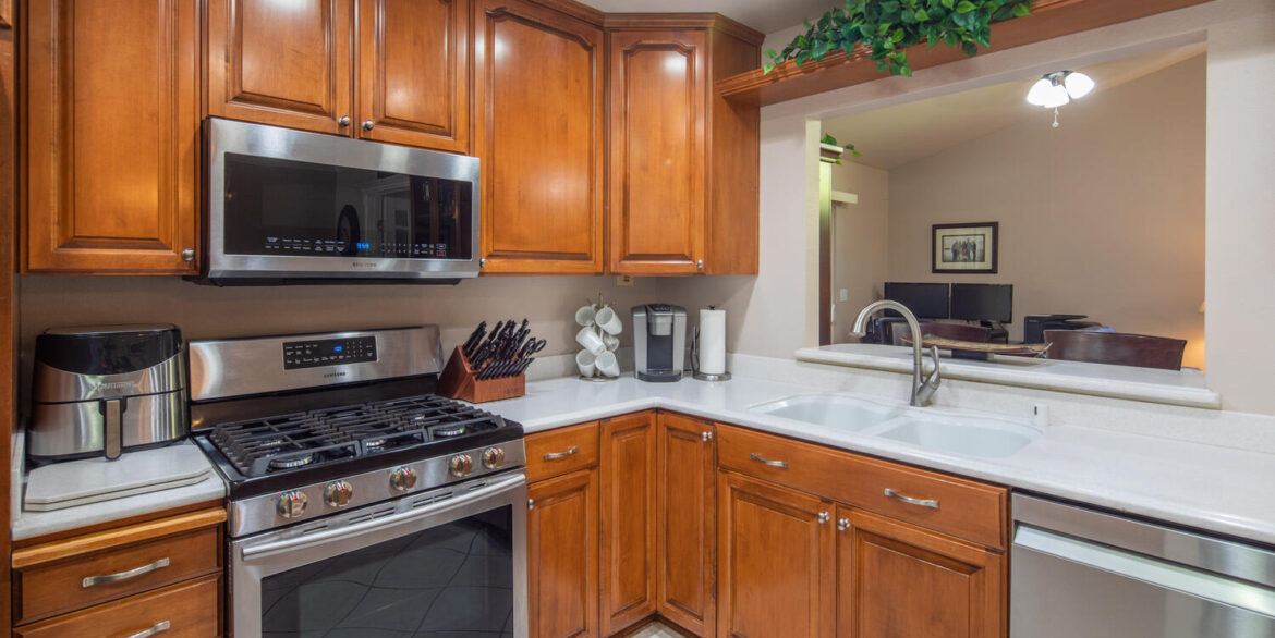 10256 Easthaven Dr Santee CA-large-031-066-Easthaven Drive Santee CA-1500x1000-72dpi