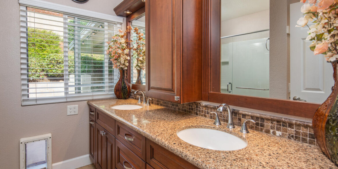 10256 Easthaven Dr Santee CA-large-043-036-Easthaven Drive Santee CA-1500x1000-72dpi